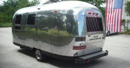 AIRSTREAM, Land Yacht- prodajalna